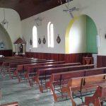 Interna da Igreja com as colunas já instaladas.