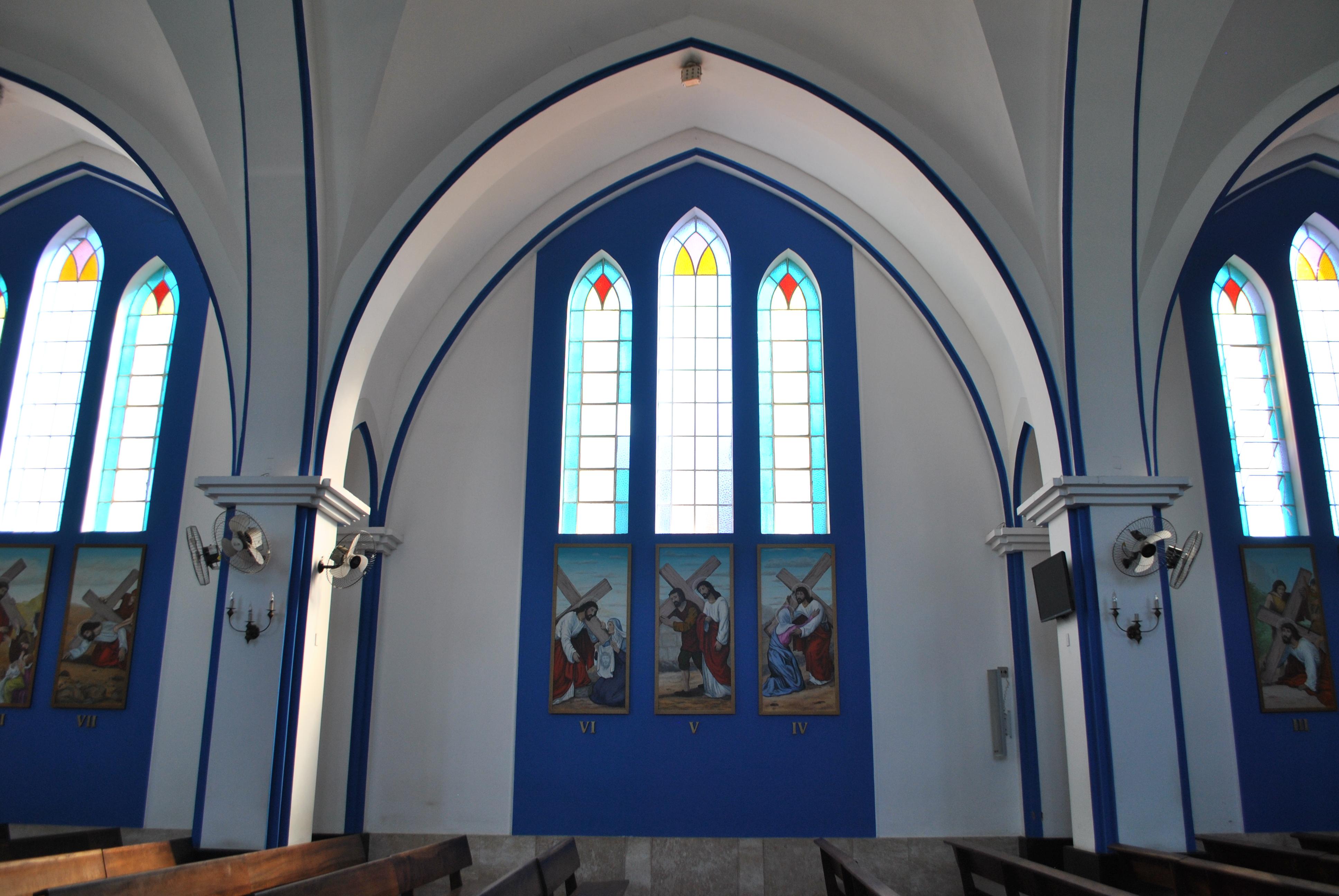 Um pouco do estilo, arquitetura, decoração e ocupação do Santuário que interfere diretamente em sua acústica.